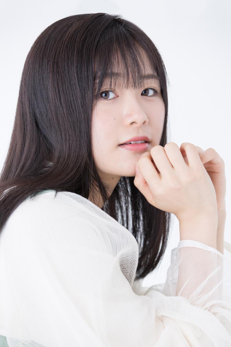 加古川香梨奈役 長谷川玲奈